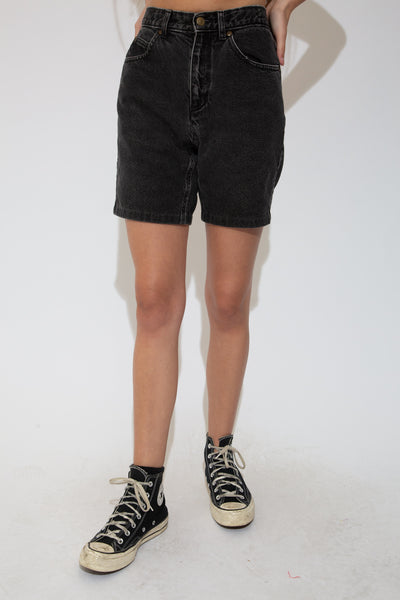 These denim shorts are black in colour in a mdii length fit with with branding on the back waistline and button.