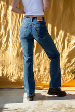 Load image into Gallery viewer, Levi's 501 Jeans