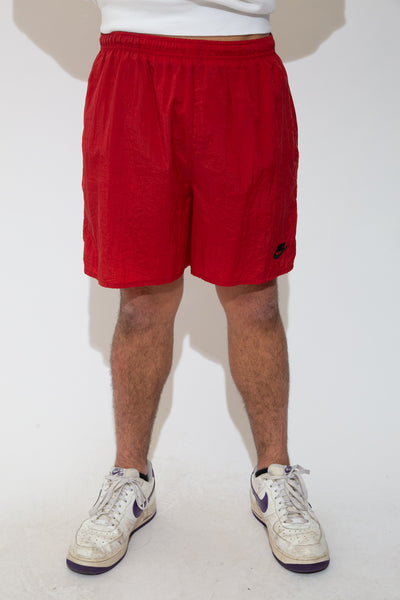 nike shorts in red. 90s vintage. magichollow.