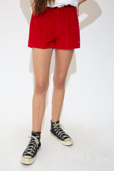 With their high-waisted style, vertical-corduroy feel, red colour, elasticated waist and branding on the dome closures and left leg, these vintage are a must-have this summer.
