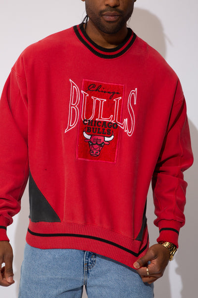 chicago bulls sweater. 90s vintage. magichollow.
