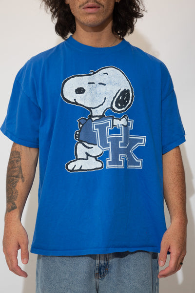 snoopy university of Kentucky tee. 90s vintage. magichollow.