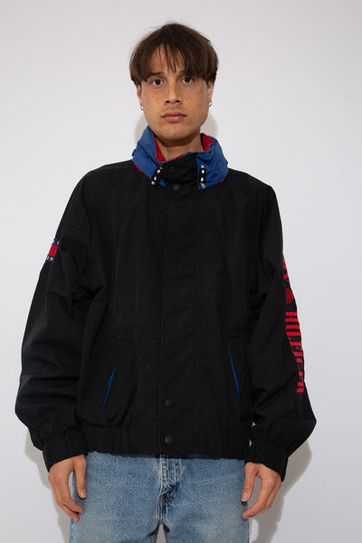 Tommy Hilfiger windbreaker jacket in black. magichollow vintage