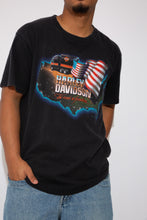 Load image into Gallery viewer, Black harley Davidson Tee with Large front and back graphics and single stitching. magichollow vintage