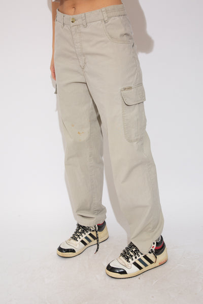 Model wearing columbia trousers, magichollow