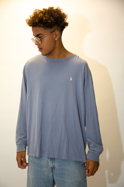 This grey/blue tee is long sleeved and in a crew neck style with the Ralph Lauren logo embroidered in white on the left chest.
