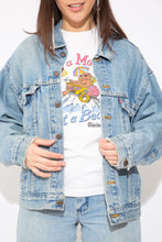 Load image into Gallery viewer, model wearing denim jacket, magichollow
