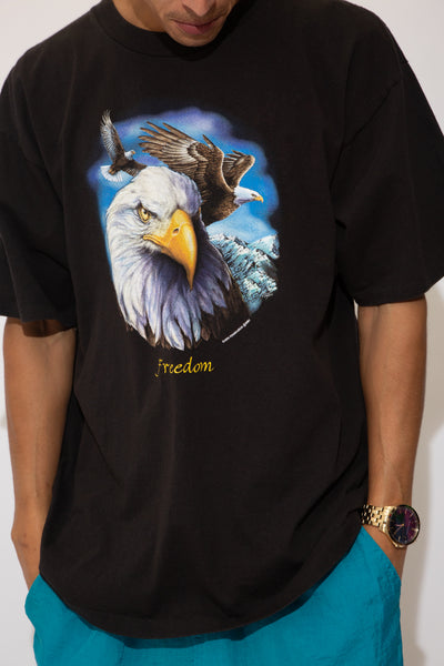 freedom eagle graphic tee. 90s vintage. magichollow.