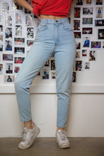 Load image into Gallery viewer, Chic Jeans