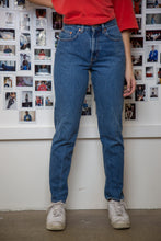 Load image into Gallery viewer, Gap Jeans