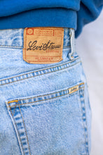 Load image into Gallery viewer, Levi's Denim Jeans