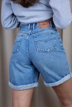 Load image into Gallery viewer, Gloria Vanderbilt Denim Shorts