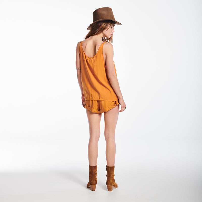 NOEMIE IN CAMEL