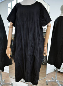 Moyuru Black Soft Pleat Dress Art Number 183626
