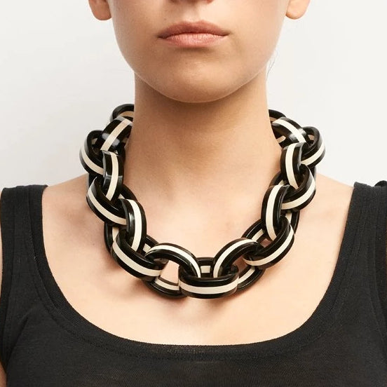Alba Necklace Black + White
