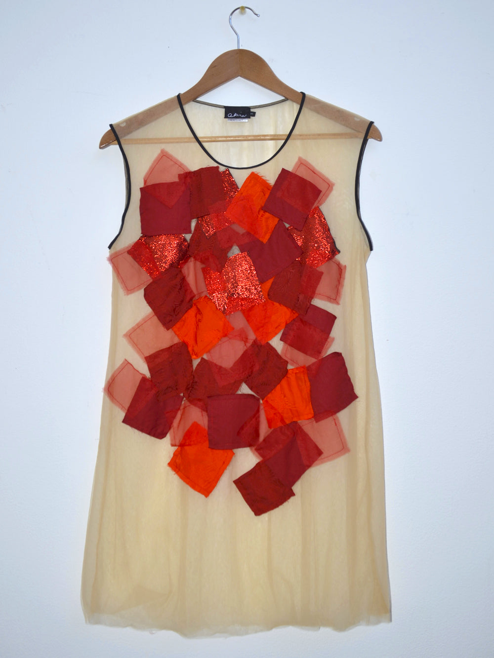 Square Applique Tulle Sleeveless Top Red