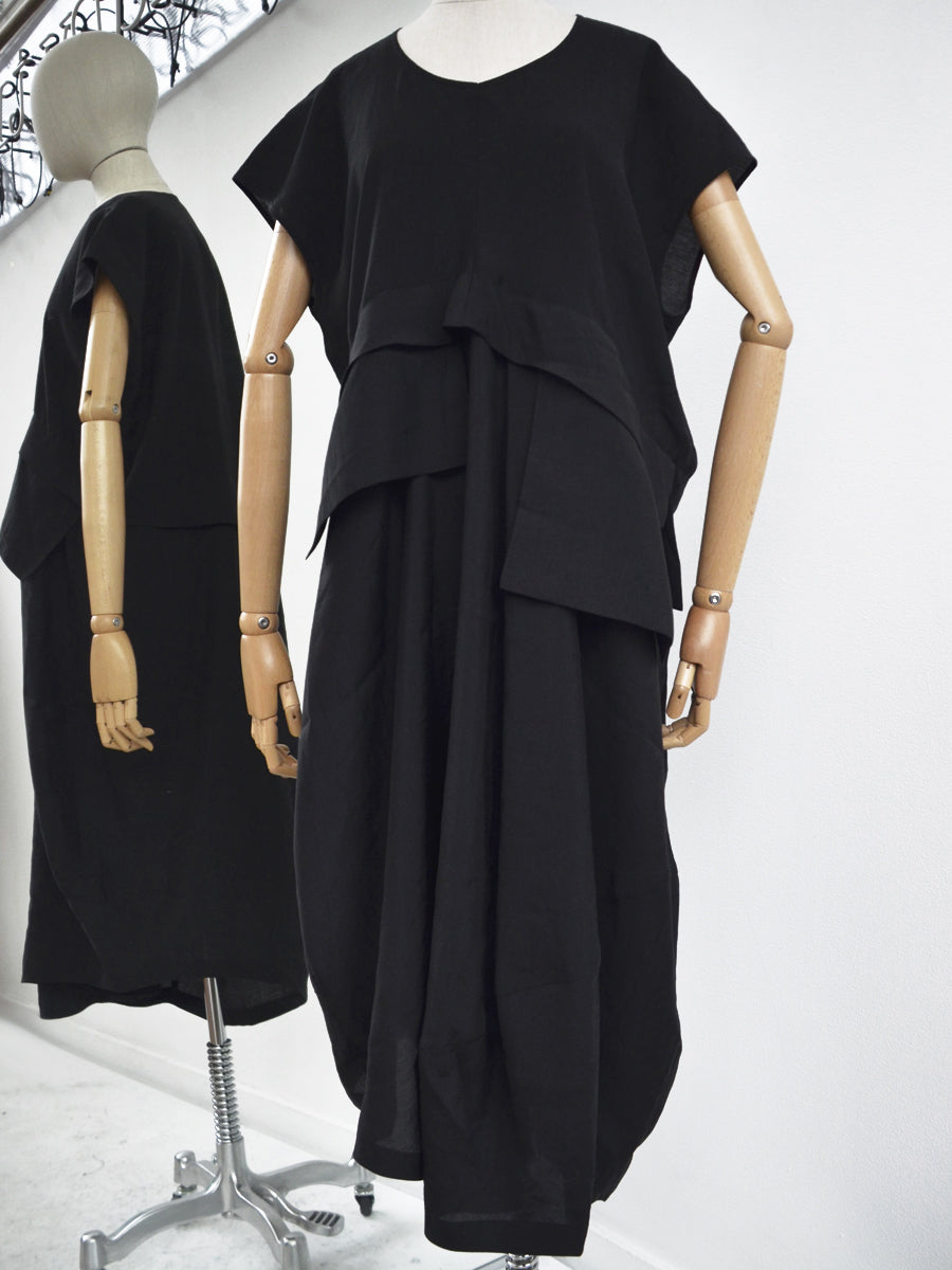 Moyuru Black Dress with Pockets 191649