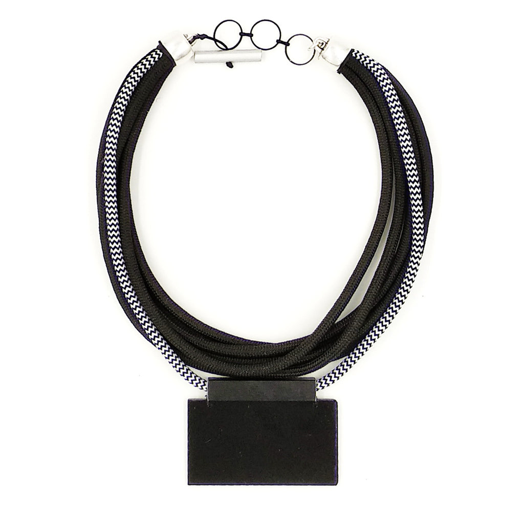 CB119 Rope and Plexiglass Necklace Black