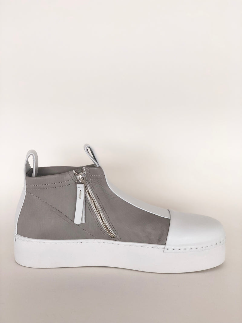 Puro Secret, Puro Grey So White Shoe - Tiffany Treloar