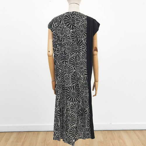 Black Chrysanthemum Pleated Panel Dress