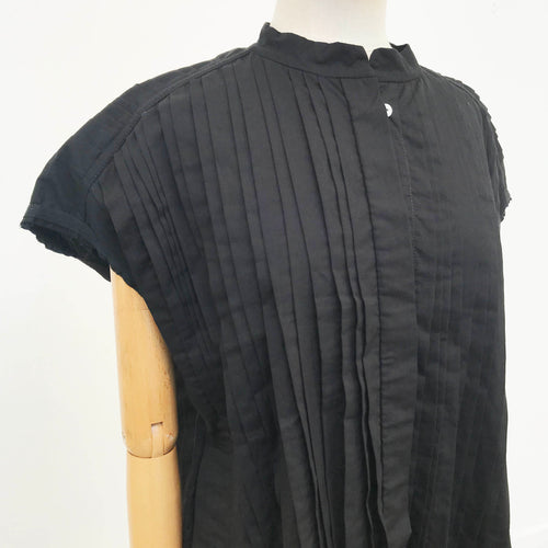 Black Pleated Sleeveless Tunic Blouse