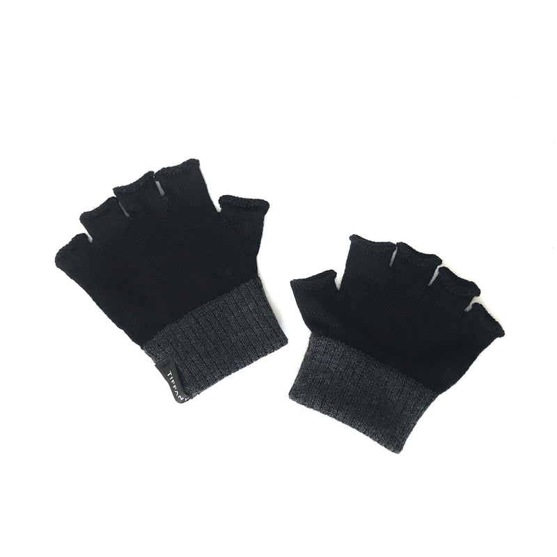 Tiffany Treloar, Fingerless Merino Gloves Black/Charcoal - Tiffany Treloar