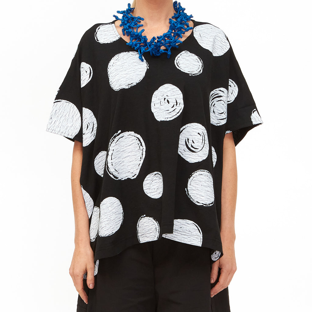 Moyuru, Black Top with Circles Print 201010-06 - Tiffany Treloar