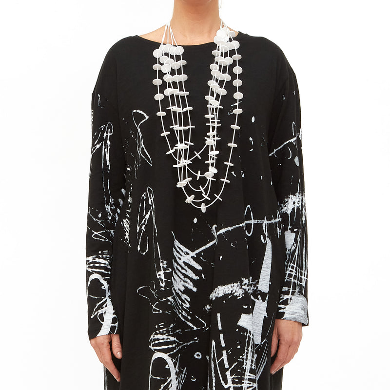 Moyuru, Black Jersey Tunic with White Print 201007-06 - Tiffany Treloar