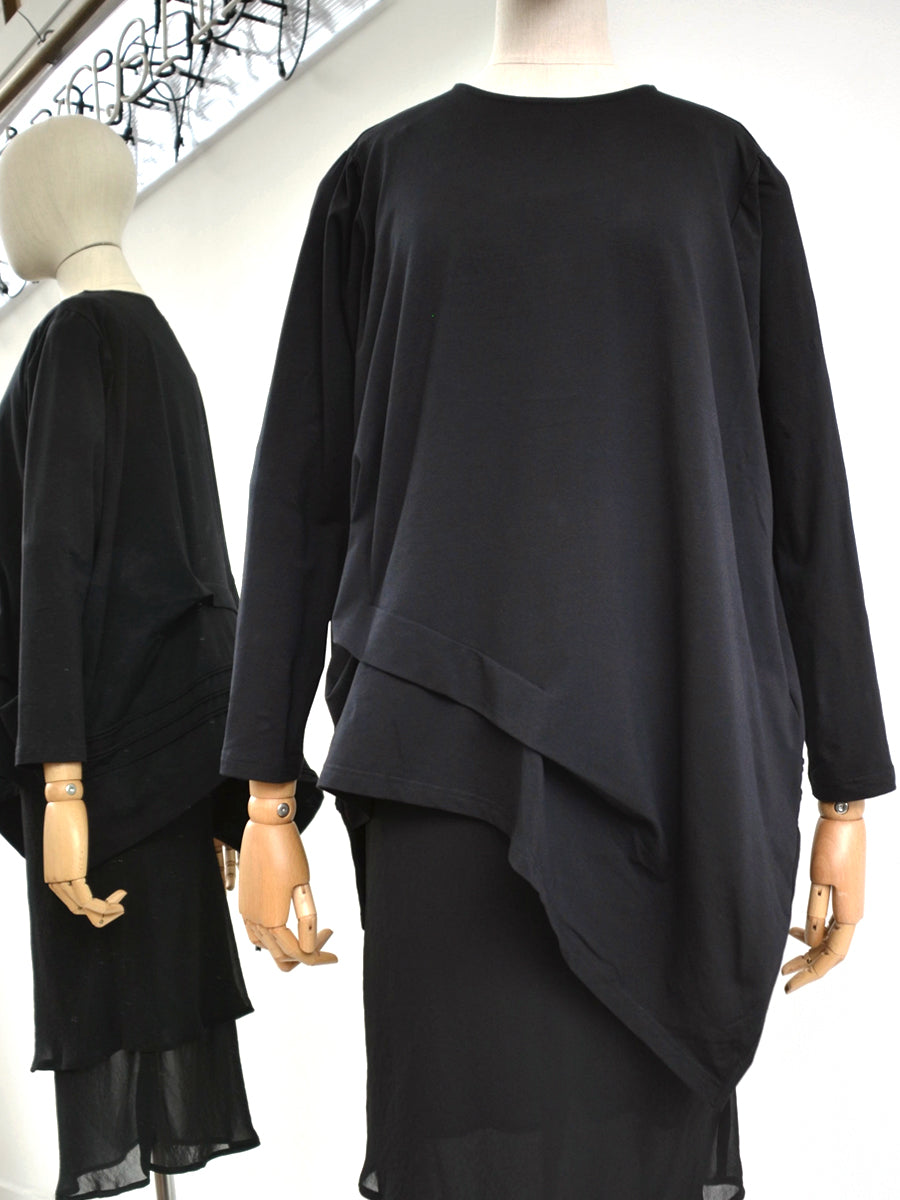 Moyuru Black Asymmetrical Top 191301
