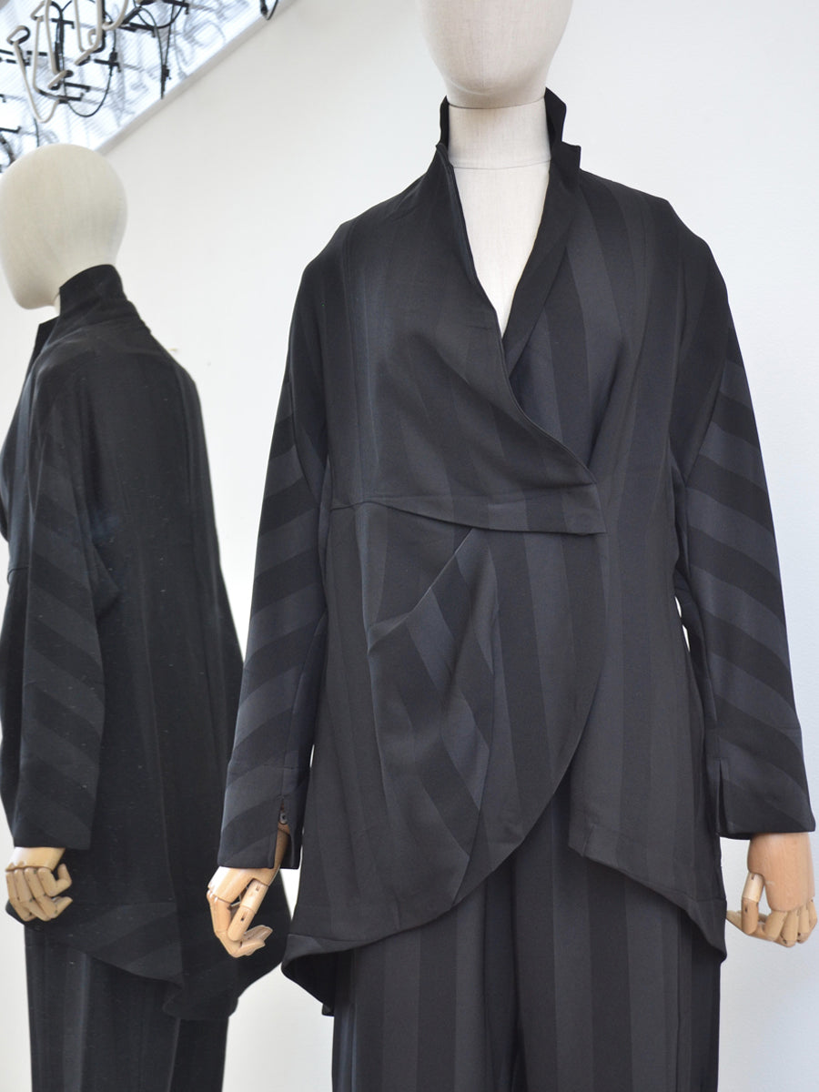 Moyuru Black Striped Jacket 191653