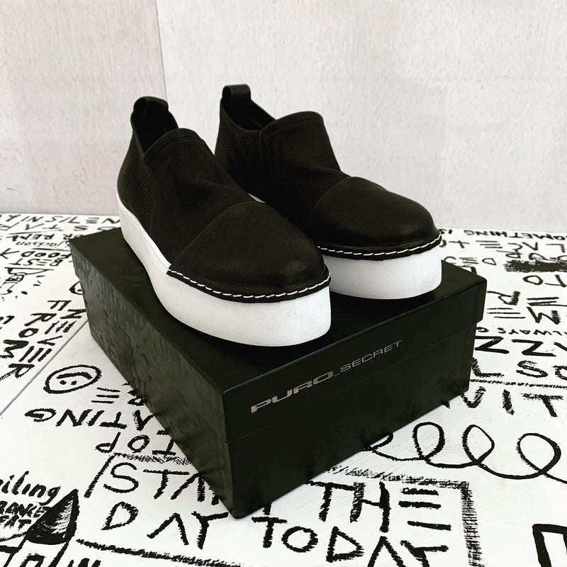 Puro Secret, Puro Black So White Shoe - Tiffany Treloar