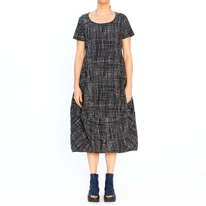 Bubble Hem Dress in Fine Black Check 3440929-103