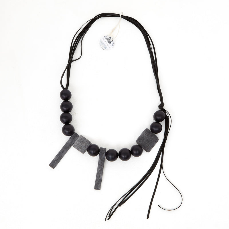 KT-31 Black greybone necklace