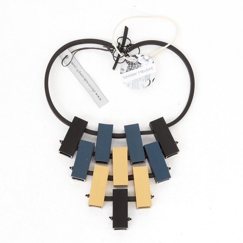 CB91 Neckpiece Black/Grey/Goldblack