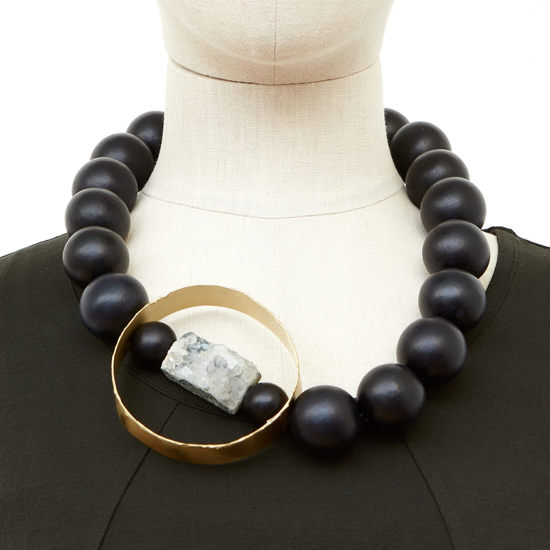 KT-11 Black necklace with gold circle