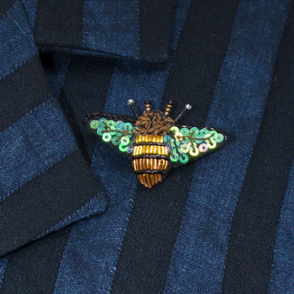 Trovelore Dazzling Bee Brooch