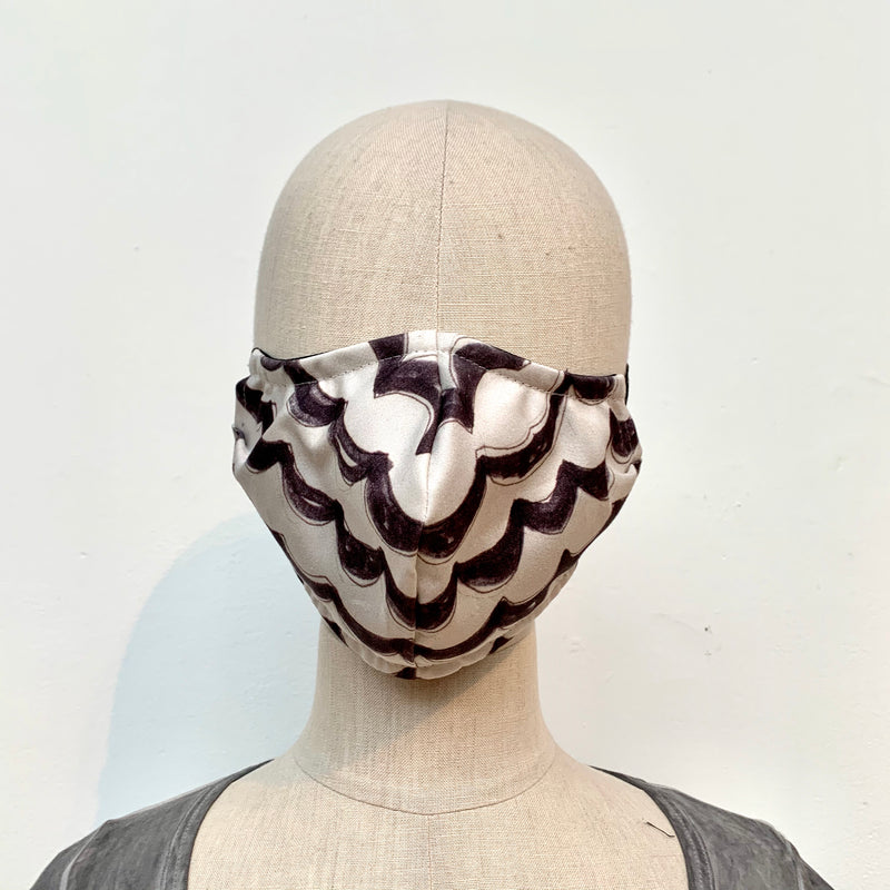 Mask in Scallop Print