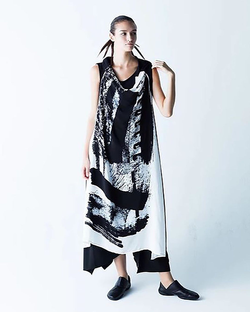 Moyuru Black White Dress 191473