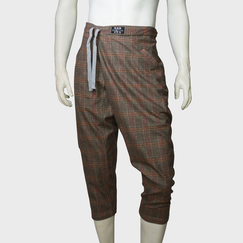 3D cropped Chinese pants (brown plaids) | Goods of Desire