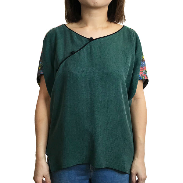 Wing Top with 3 Chinese Buttons, Green