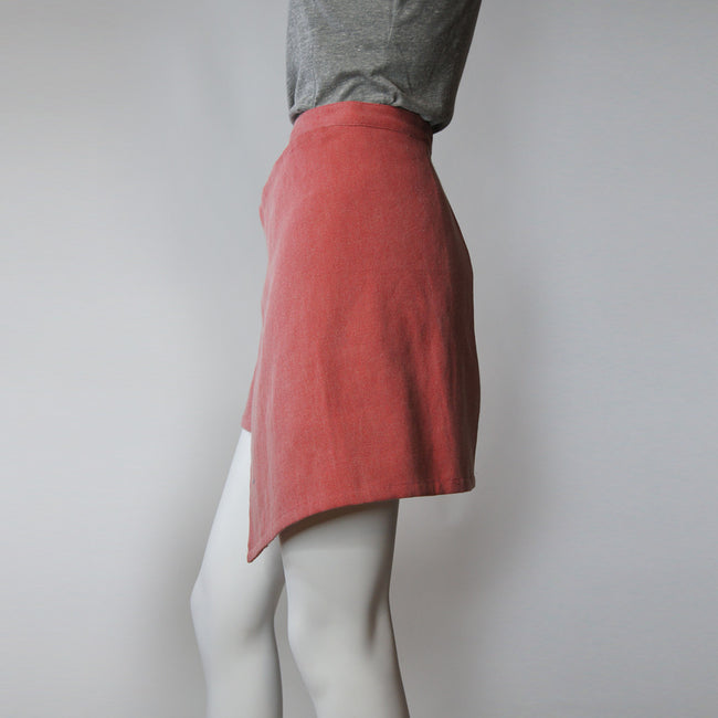 'Yiu Fai' asymmetric skirt (washed red)