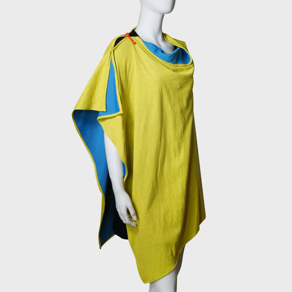 'Wai Ying' cape shawl (blue / yellow) | Goods of Desire