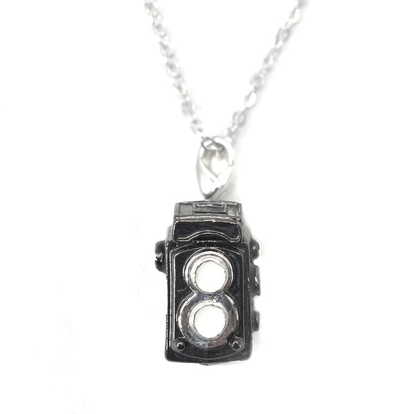 HK Charm with necklace - Camera
