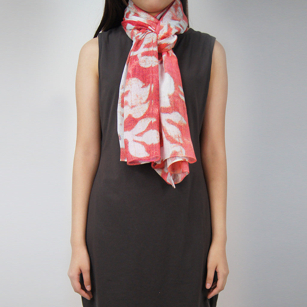 'Floral Woodblock' cotton scarf (Pink with white)