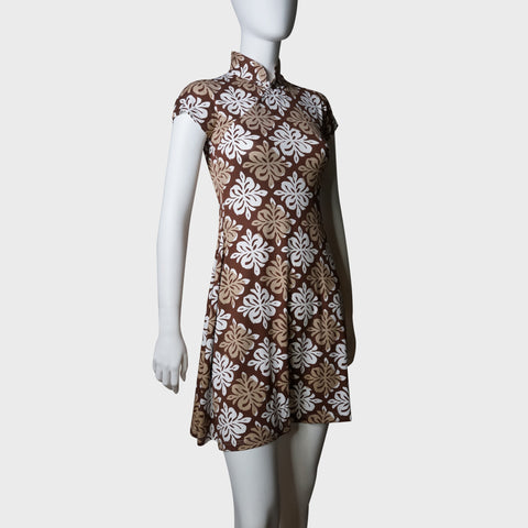 'Yung Chung' flared qipao (Brown tiles) | Goods of Desire