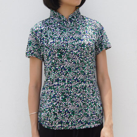 Mui Jai Top with Contrast Buttons (Arabic Floral/Fuchsia)
