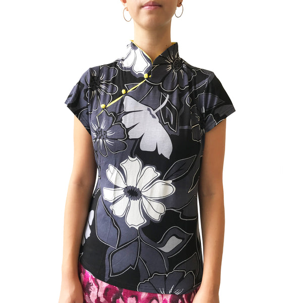 Mui Jai Top with Contrast Buttons (Dark Floral/Yellow)