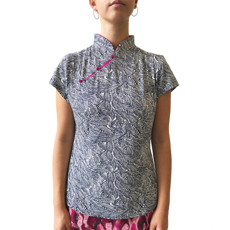 Mui Jai Top with Contrast Buttons (Jacquard/Coral)