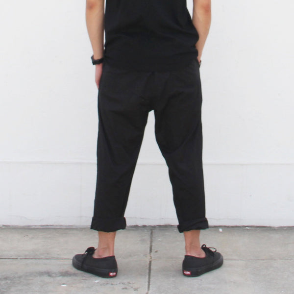 Pants with pleats, Black