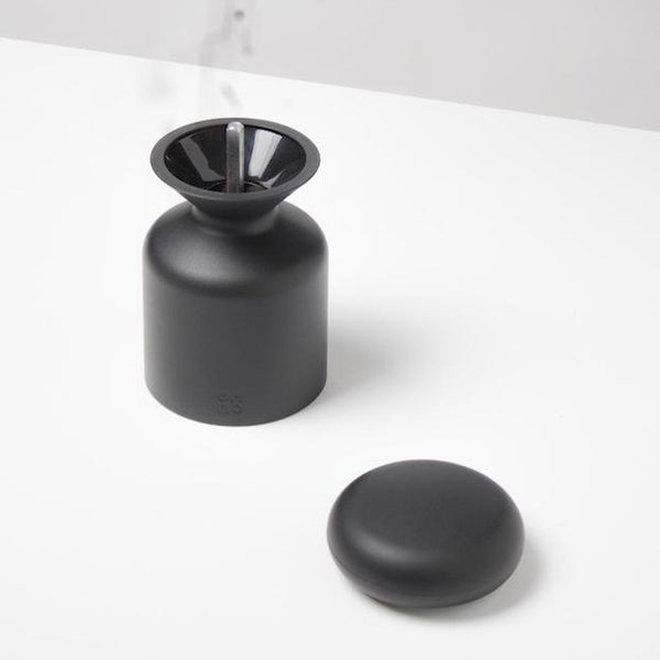 OMMO Salt or Pepper Mill (black)